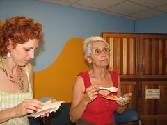 Isabel and carmen, eating