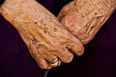 Hands of Old Days (Izla Kaya Bardavid) Tags: old people woman color lady turkey hands photos christian oldwoman mesopotamia turabdin assyrian syriac blueribbonwinner southeastturkey