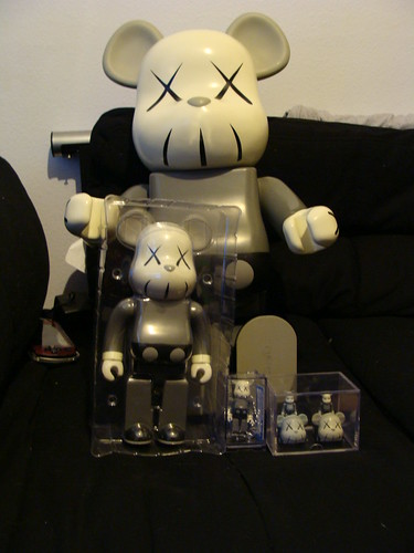 Kaws Mono set by kaddistrophic.