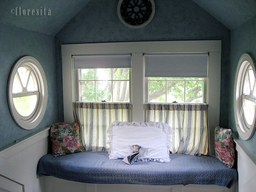 reading nook for le Carotte