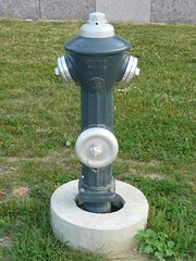 Feuer 2 (James Bimmel) Tags: hydrant lumix panasonic kanal dmc deckel gulli gully gullideckel gullydeckel trinkwasser abwasser kanalabdeckung messpunkt lschwasser tz3