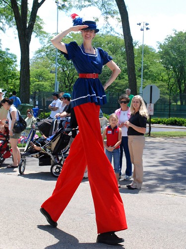 Glenview Fourth of July Parade: Stilts Woman