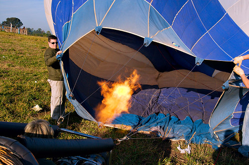 Inflating / Inflando