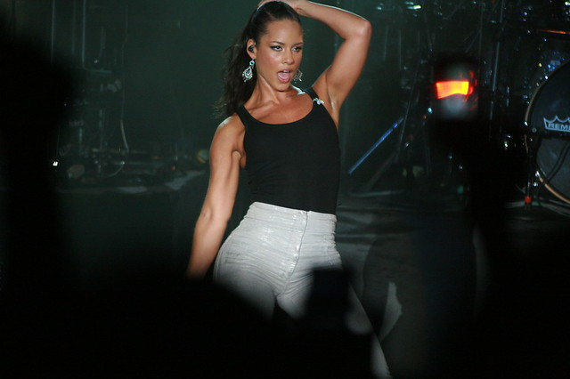 SINGFEST 2008: Alicia Keys : 1 by flattycharn