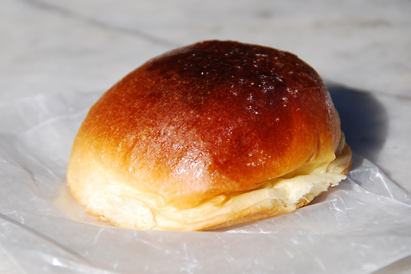 mei-lai-wah-roast-pork-bun