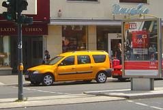 "orange ... Dacia Logan (bayernernst) Tags: auto berlin cars car deutschland august autos caravan logan 2008 combi kombi variant pkw kfz kraftfahrzeug kraftfahrzeuge 09082008 flickrblick stationcar""wagonwagonsdaciadacia"