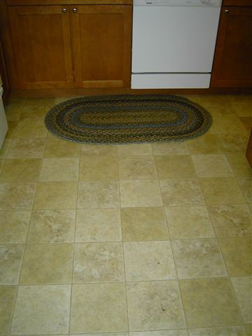 Kitchen floor linoleum or brownish tile