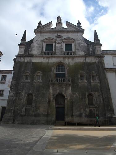 Mosteiro de Alcobaça - porta do dormitorio