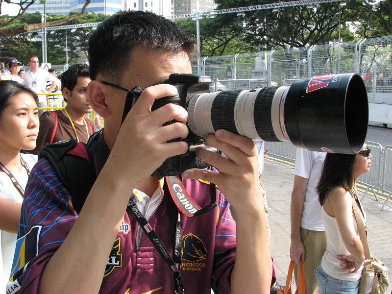 Formula One Photographer in Action !