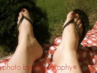 Sun on Feet!