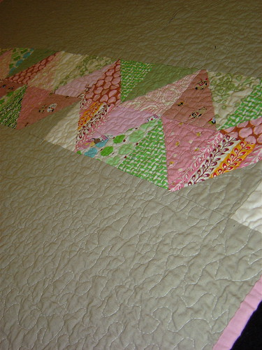 Pink & Green Zig Zag quilt back detail