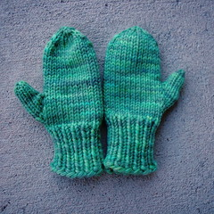 Easy Baby Mittens Knitting Pattern : Ravelry: Easy-Knit Mittens pattern by Lion Brand Yarn
