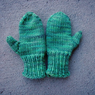 Ravelry: Easy Knit Mittens pattern by Lion Brand Yarn