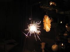 X-Mas Preview (Been Around) Tags: christmas xmas ball weihnachten austria sterreich europa europe niceshot travellers eu stern christbaumkugel autriche austrian kugel aut christmasball kugeln  christbaum steyrling 5photosaday a spritzkerze concordians thisphotorocks worldtrekker visipix expressyourselfaward flickrunitedaward bauimage