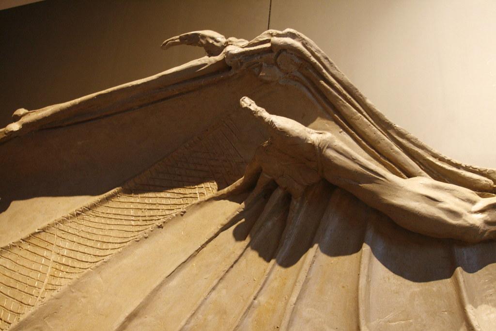 Da Vinci Figure