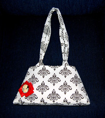 Lady Kim (DiVina//DeNuevo) Tags: bag hand kim handmade sewing sew purse handsewn handbag