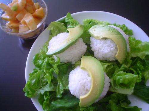 Bolitas de arroz rellenas de atún y queso crema