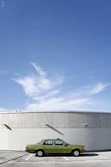Der letzte Lude (romanraetzke) Tags: auto shadow sky sun green car clouds digital airport nikon colours d70 hamburg himmel wolken chrome mercedesbenz oldtimer 1978 grün flughafen parkplatz sonne schatten chrom 116 beton farben parkhaus sclass 280se sklasse w116
