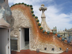 Casa Batll (Darren G2007) Tags: barcelona gaud casabatll rooftiles