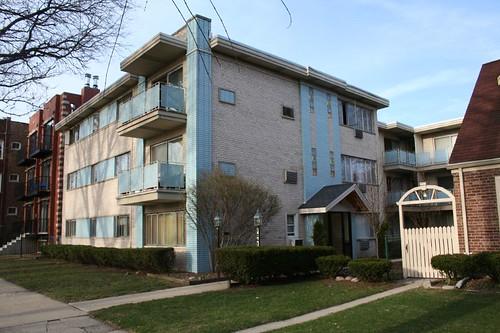 7241 N. Claremont Avenue
