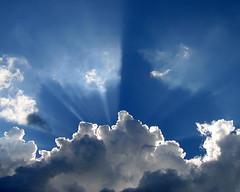 [フリー画像] [自然風景] [空の風景] [雲の風景] [太陽光線]       [フリー素材]
