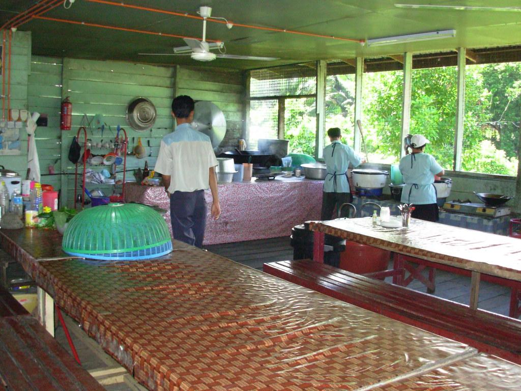 Sarawak-Belaga-LHouses (80)