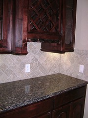 Tumbled travertine is an attractive