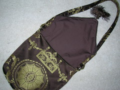 Making a messenger bag with a tablerunner (17)