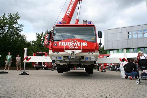 Feuerwehrkran der Feuerwehr Kaiserslautern, aufgenommen während dem Sommerfest 2008 von FWnetz-Leser Daniel Spuhler (Quelle: flickr.com / FWPIX)