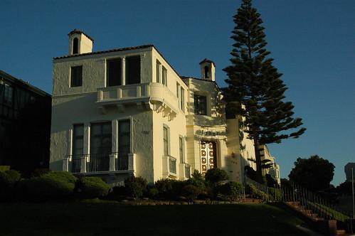 Sea Cliff Architecture