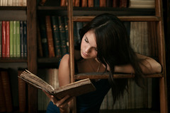 ratita de biblioteca (Celeste) Tags: reading book antique library books camila rare beautifulgirl wormbook celesteromero
