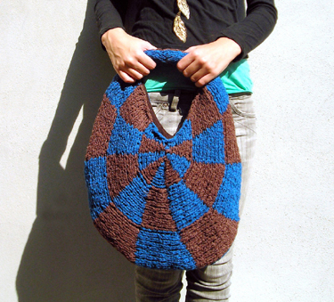 Geometric Purse knit in Loop-d-loop Fern