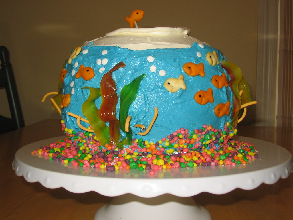 Fish Decorated Cake Decorated Cake Antique Wall Decorations