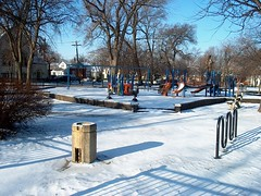Wintertim in Chicago's Edison Park neighborhood. January 2007.