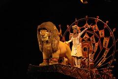 Simba & Nala (WrldVoyagr) Tags: show china hk hongkong disneyland lion disney moo simba nala sar lionking adventureland moocards
