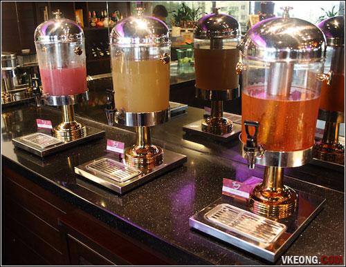 fruit-juice-station