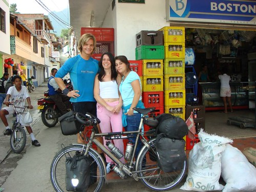 Local girls who asked for my photo. No worries, if I can get yours as well! La Pintada, Colombia.