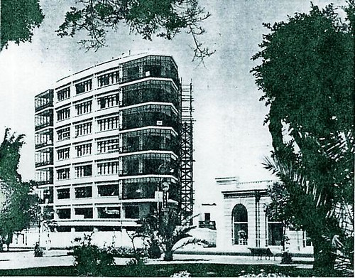 Edificio Diagonal opposite Parque Kennedy - still standing