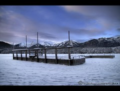 Verschollen im Eis (mcPhotoArts) Tags: schnee winter sky mountain lake snow clouds germany landscape bayern deutschland bavaria see flickr himmel wolken berge eis landschaft hdr rahmen eibsee steg grainau geotagging photomatix pseudohdr wolkenhimmel canoneos400d aplusphoto sigma1770mm2845dcmacro zugefrorenersee bumblebeephotografix skurieles ffgapashow