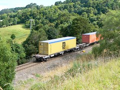 the container train disappears (sth475) Tags: railroad mountain train wagon flat box scenic railway container msc endoftrain illawarra eot conflat cqbyclass cqby2046l