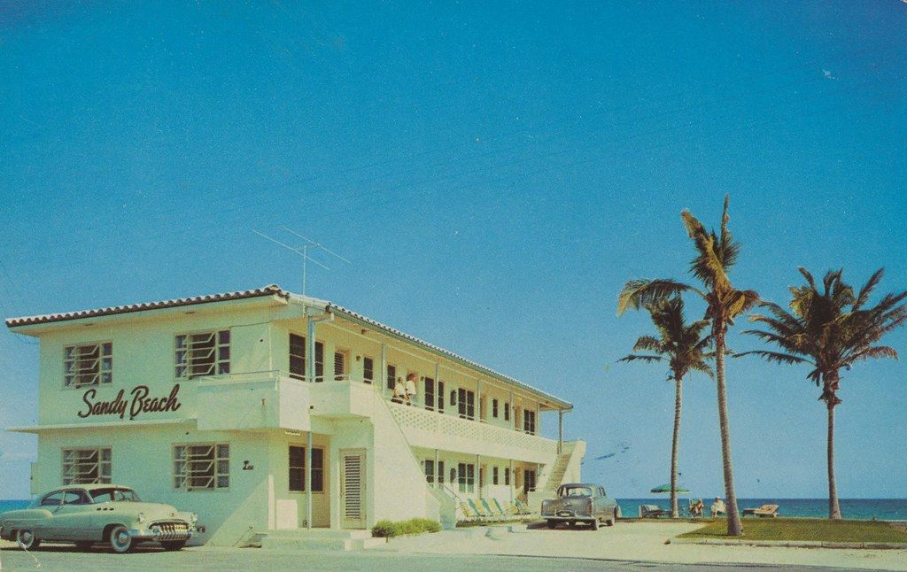 Sandy Beach Apartments - Hollywood Beach, Florida