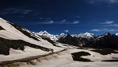 Rohtang Pass (vinboy) Tags: india snow d50 nikon peaks rohtangpass himalayas himachalpradesh snowpeak nikkonstunninggallery