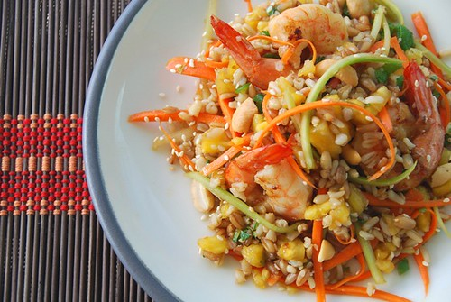 asian 7 grain shrimp salad half mat