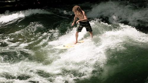 Munich River Surfers