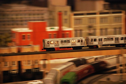 Miniature El in motion