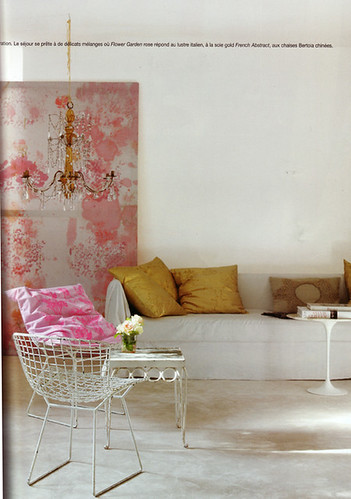 White sofa, Bertoia chair, pink, yellow