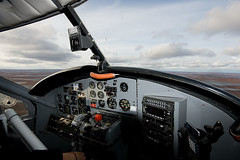 Turbo Otter Office (Jason Pineau) Tags: airplane flying nt aircraft aviation nwt turbo otter northwestterritories seaplane floatplane dehavilland dhc3 airtindi cfzdv
