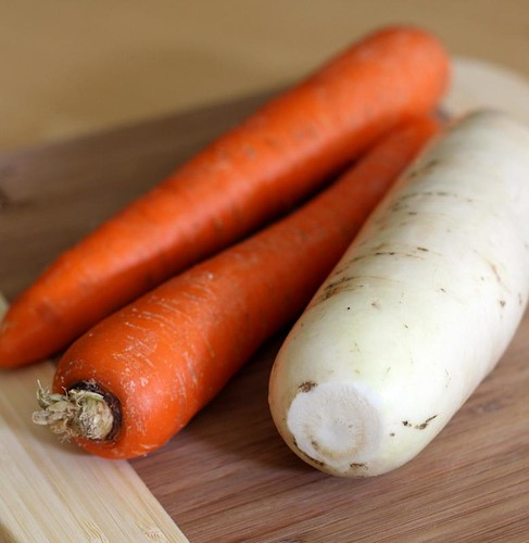 Carrots and white radish (daikon)