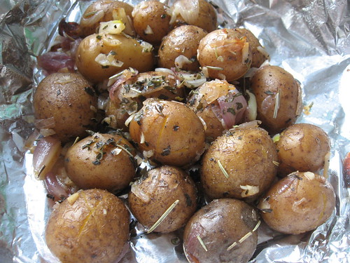 Roasted (Parboiled) New Potatoes with Herbs and Shallots ~ Teczcape-An ...