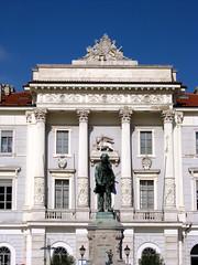 Pirano - Palazzo Comunale (alberto_d) Tags: sea europa europe mare slovenia piran slovenija adriatic istria adriatico istra palazzocomunale pirano istrien tartini istrie piranodistria obinskapalaa istroveneto